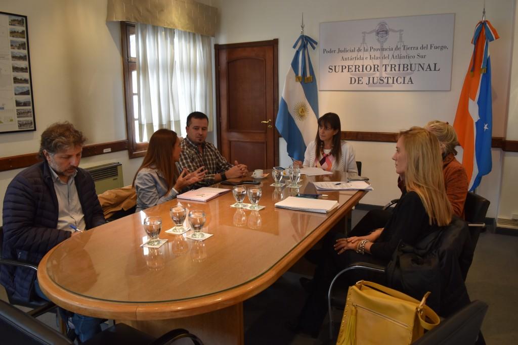 Reunión con Ministerios de Desarrollo Social y Salud