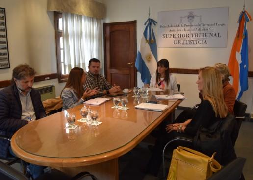 Poder Judicial, Desarrollo Social y Salud coordinan trabajo articulado en Tolhuin