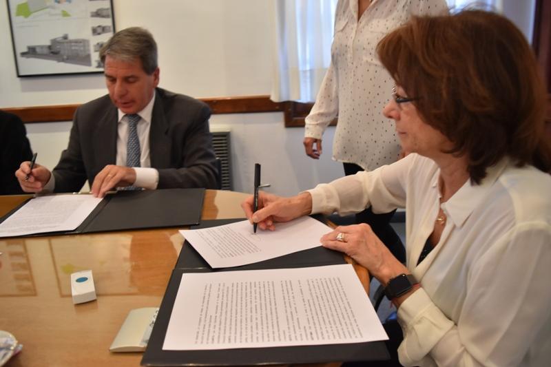 Firma convenio (3)