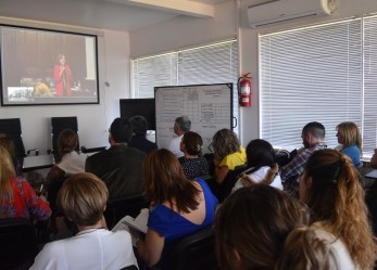 """La Doctora Battaini expuso sobre """"Género y Legítima Defensa"""" ante un nutrido auditorio"""